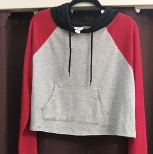 Hooded crop top sweatshirt